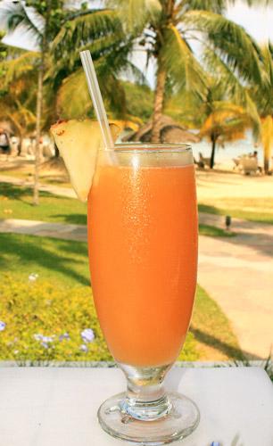 Caribbean rum punch