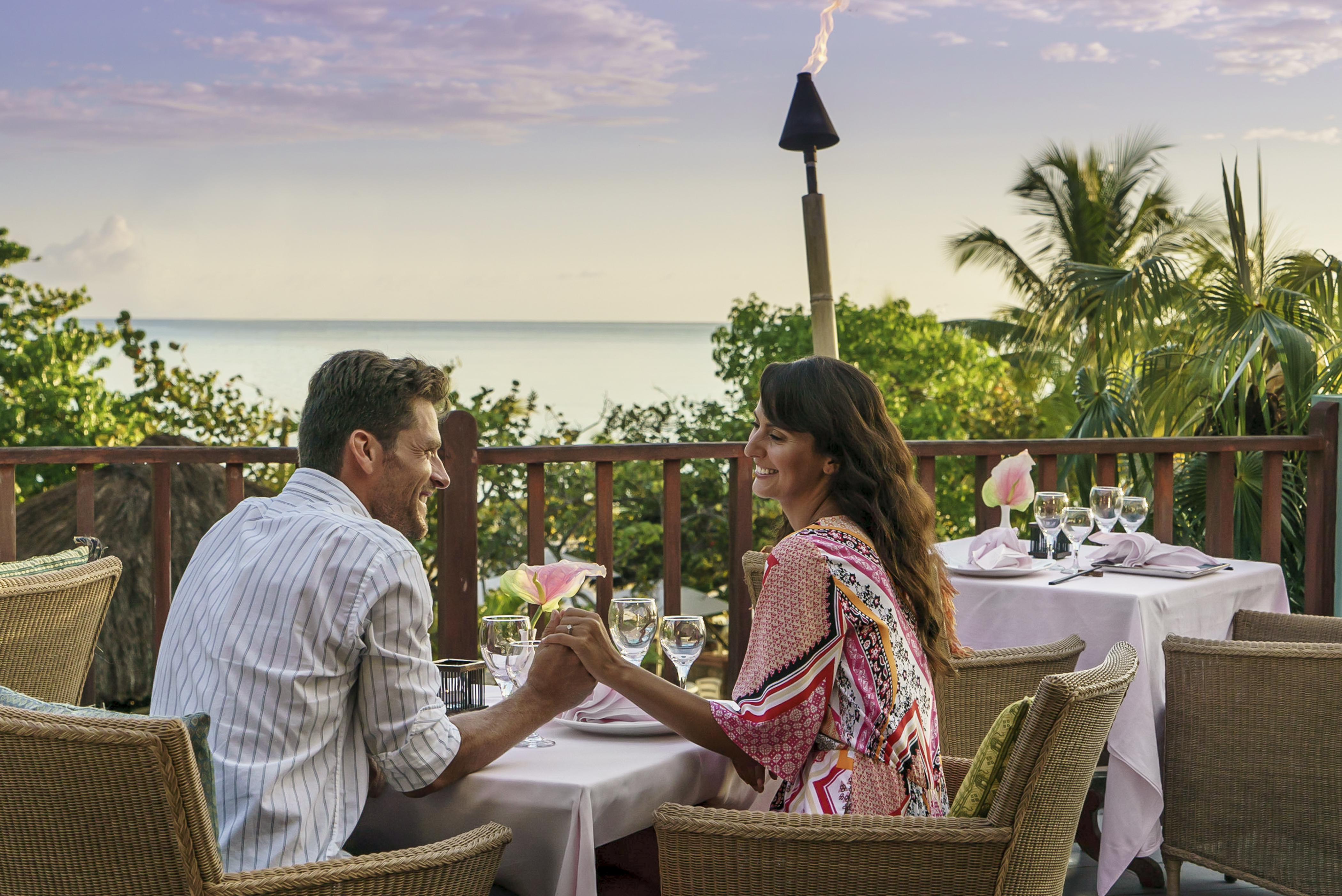 couples swept away restaurants