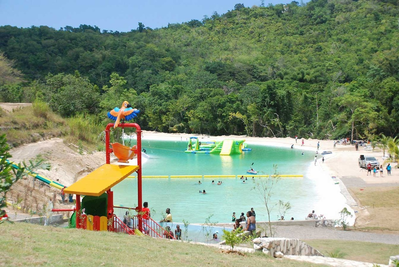 Best Water and Amusement Parks in Jamaica - Couples Resorts