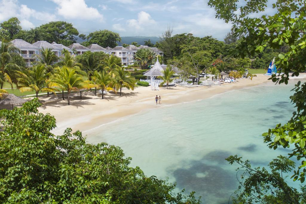 Best Beaches in Ocho Rios - Couples Resorts
