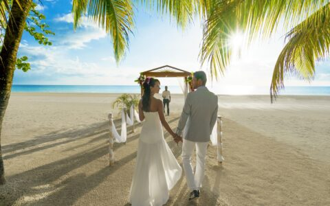 Couples Swept Away: Romance Is Our Specialty